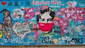 Podoba Lennonovy zdi v dubnu 2020. Foto: ČTK/Štěrba Martin
