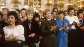 Delegace československých žen na Pražském hradě 7. března 1989 s generálním tajemníkem ÚV KSČ a prezidentem ČSSR Gustávem Husákem. Foto: ČTK/Mevald Karel