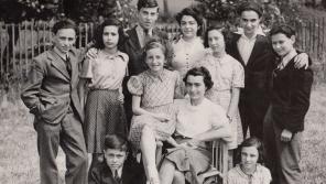 Wintonovy děti srpen 1941, Asaf dole, bratr nepřítomen.