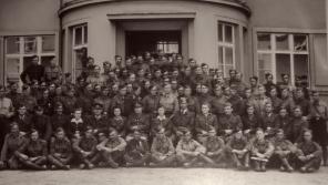 Českoslovenští dělostřelci v bitvě u Jasla