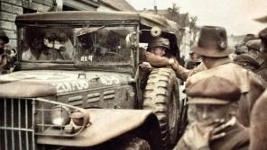Janovičtí vítají americké vojáky.