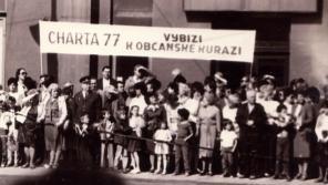 Bereza a Hradílek vybízejí ke kuráži 1. května 1987.