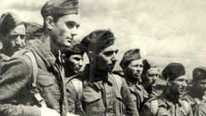 Českoslovenští vojáci v Buzuluku. Foto: Paměť národa