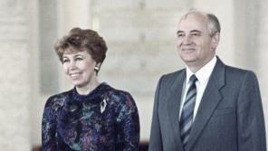 Michail Gorbačov se svou ženou Raisou v červnu 1988. Foto Wikimedia Commons