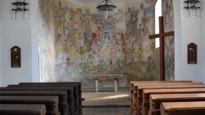 Interiér kostela sv. Petra a Pavla v Rozhovicích