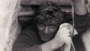 Jaroslav Kukol v emigraci – v australském nalezišti opálů v roce 1971. Foto: Paměť národa