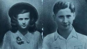 Iva Jarošová a Josef Kapel v roce 1945.