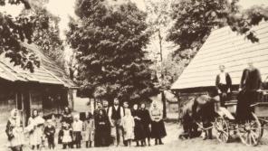 Obyvatelé osady Ploština. Tzv. pasekáři hospodařili na nepřístupných pozemcích roztroušených po Vizovických vrších.
