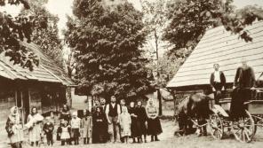 Obyvatelé osady Ploština