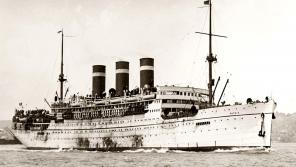 V době potopení bylo na palubě lodi Patria asi 1 800 židovských uprchlíků z Čech a Moravy, Gdaňsku (Danzig) a Vídně, které britské úřady chtěly deportovat na Mauricius, protože jim chyběla povolení ke vstupu. Zdroj: Image Naval History and Heritage Command