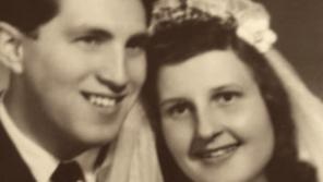 Svatební fotografie Heleny a Zdeňka Šidákových.