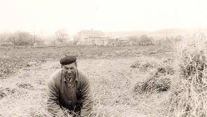 Stanislav Bayer se loučí se svým polem