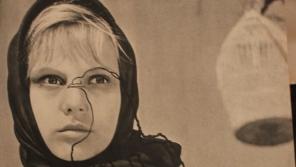 Kateřina Irmanovová na plakátu k filmu Holubice z roku 1960. Foto: Paměť národa/archív Kateřiny Irmanovové