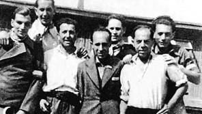 Padělatelské komando po osvobození, první zprava je Adolf Burger.