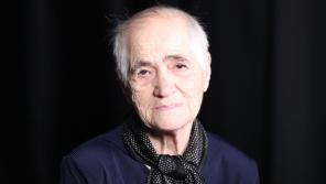 Patra Karadžu při natáčení pro Paměť národa v roce 2019. Foto: Post Bellum