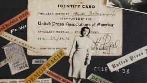 Stránka z alba Ruth Bondyové o práci pro americkou mezinárodní zpravodajskou agenturu United Press, kde pracovala po válce jako překladatelka.