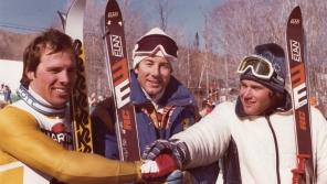 V březnu 1980 stál v kanadském Mont Sainte-Anne na stupních vítězů vedle legendárního Ingemara Stenmarka (uprostřed). V obřím slalomu tehdy skončil třetí, druhý dojel Phil Mahr druhý (vlevo).