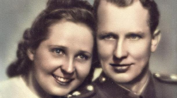 Svatební fotografie Milady Říhové a Františka Cáby ze srpna 1945. Foto: Paměť národa
