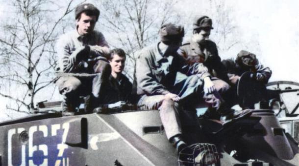 František Netušil vyrazil k polským hranicím s ženijním praporem 17. tankového pluku v obrněném transportéru OT-62. Zdroj: Paměť národa