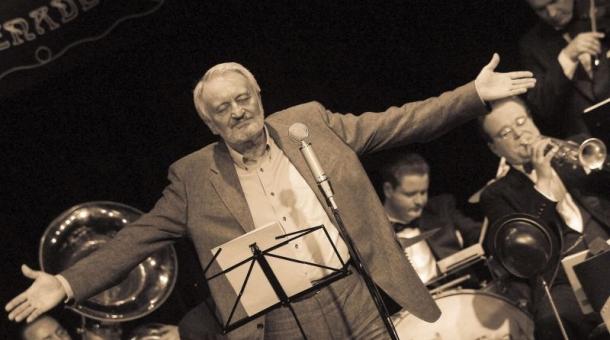 Milan Lasica na pódiu