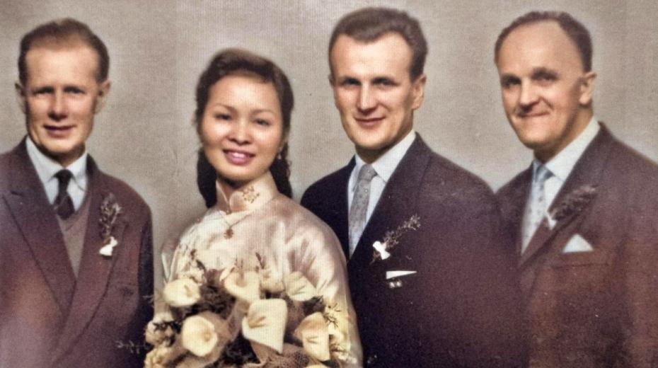 Svatební foto Hong Nhung Vi a Vladimíra Nechyby se svědky.