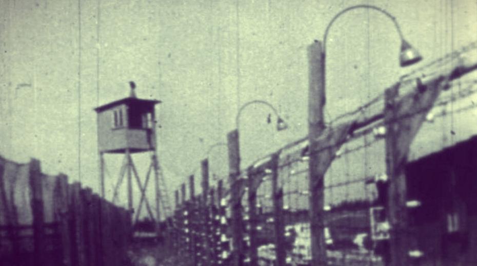 Oplocení pobočného koncentračního tábora v Rychnově u Jablonce nad Nisou, kde byli vězněni především Poláci.