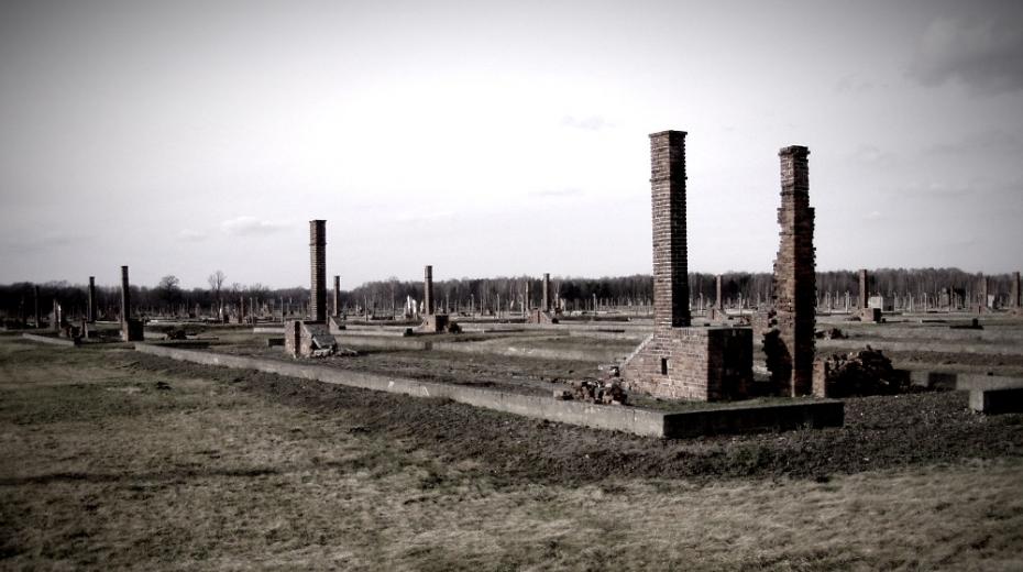 Pozůstatky tzv. rodinného tábora v Auschwitz-Birkenau. Foto: Wikimedia Commons