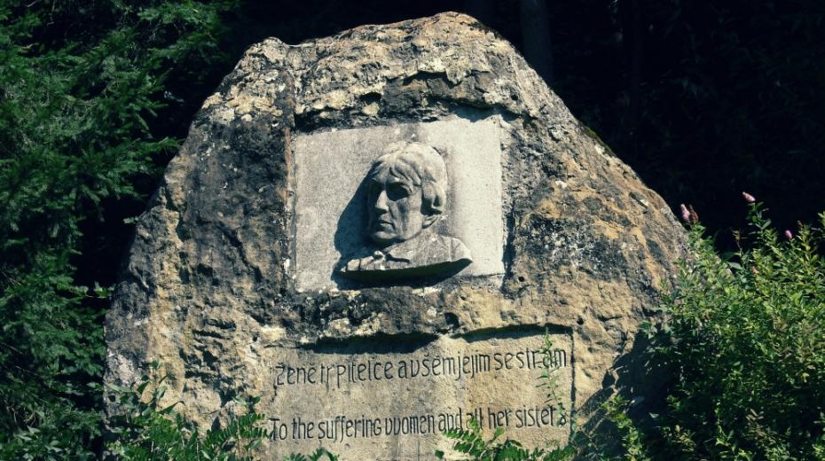 Pomník Charlotty Masarykové. Foto: CC BY-SA 4.0/Ilona Mazalová