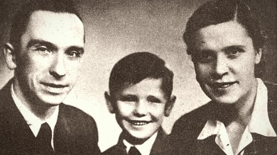 Šťastná rodina Heniušových v Praze: Jan, syn Jurka a Larysa. Rozděleni byli na dlouhá léta po zatčení Jana a Larysy v Československu.