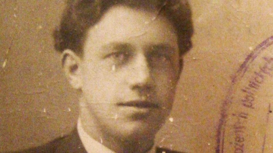 Devatenáctiletý Eduard Zimmel po válce a po návratu z koncentračního tábora Dachau. Foto: Paměť národa
