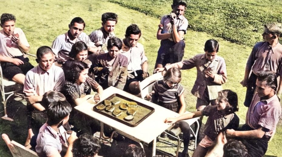 Děti z koncentračních táborů na zámku Štiřín, který díky Přemyslu Pittrovi sloužil jako ozdravovna.
