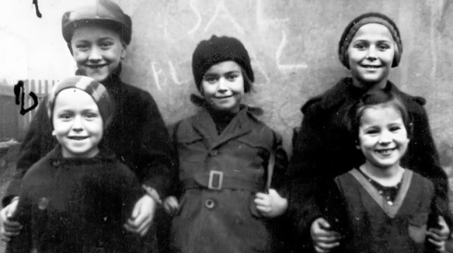 Jedna ze dvou dochovaných fotografií ukrývaných židovských dětí na Ostravsku. Zdroj: Shlomo Laufersweiler