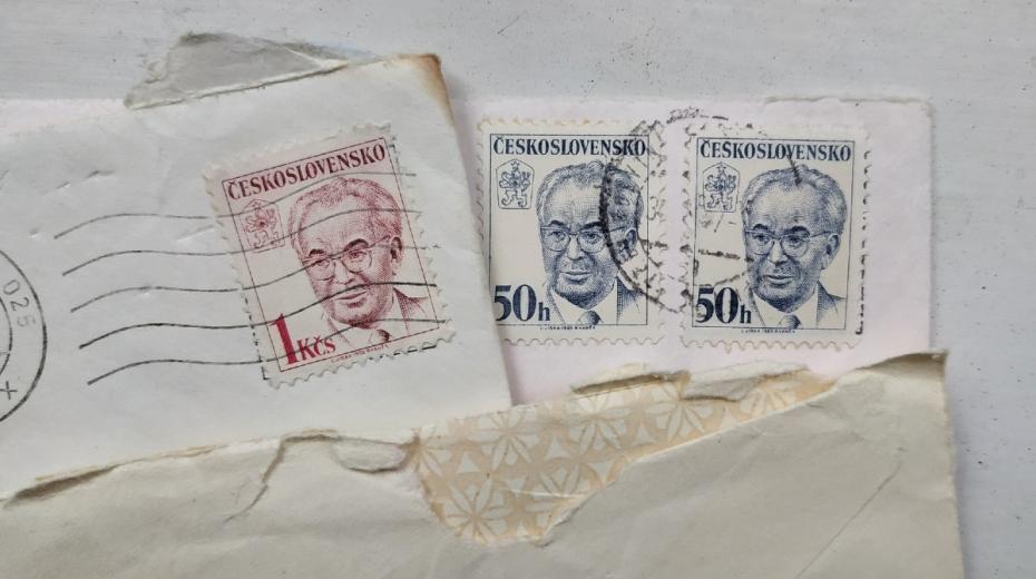 Legrace se známkou s Gustávem Husákem dostala Jiřího Kotka před kárnou komisi. Foto: Post Bellum