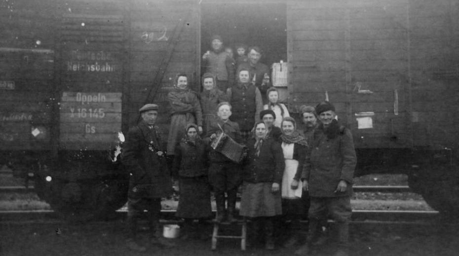 Jeden z transportů volyňských Čechů v roce 1947 do Československa.