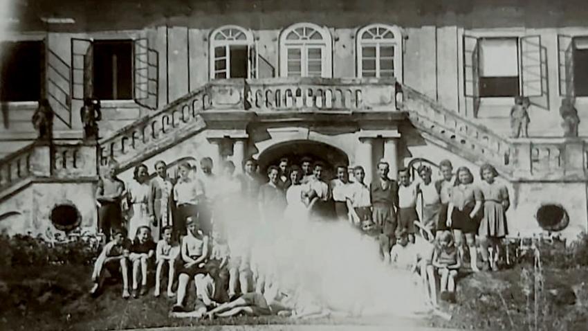 Židovské děti na zámku Štiřín. Foto: Josef Kapel