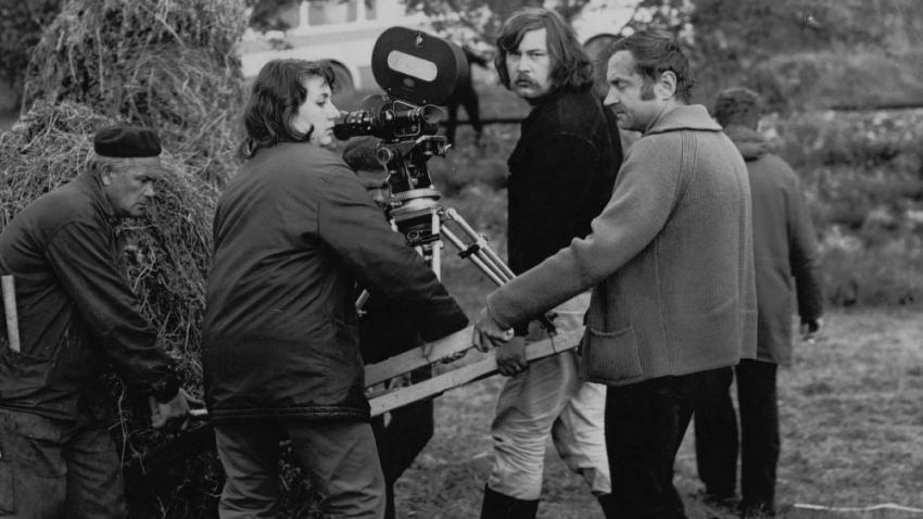 Natáčení filmu Sírius režiséra Františka Vláčila, na němž Hana Hamplová působila v roce 1973 jako asistentka kamery. Foto: Paměť národa