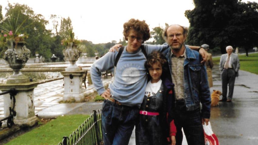 V Londýně v roce 1988 s otcem a sestrou. Foto: Paměť národa