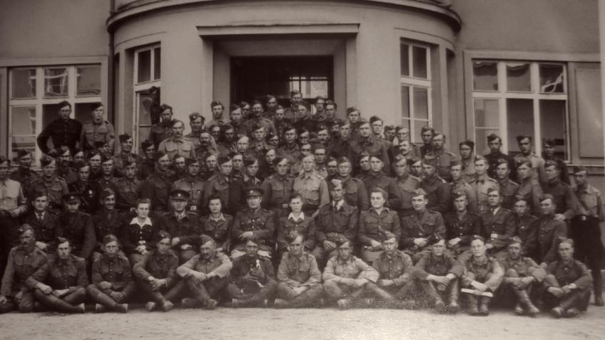 5. dělostřelecký pluk - Jaselský v Rakovníku v červenci 1945, na snímku I. oddíl s obsluhou.