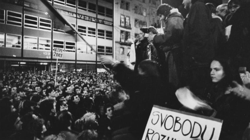 Demonstrace na náměstí Svobody v Brně.