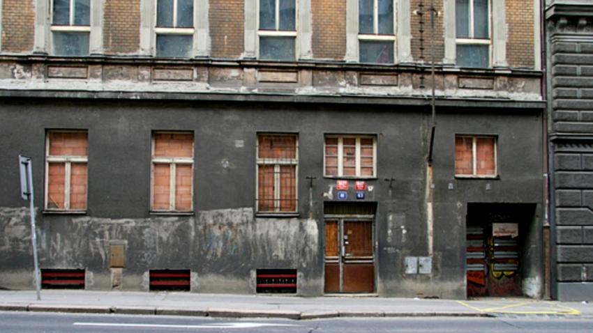 Budova bývalé kliniky v Legerově ulici 61 v současnosti.