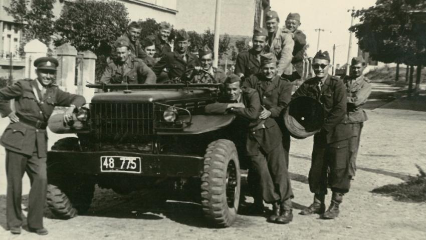 Euforie konce války, Vasila Timkoviče zastihl konec války u Vsetína. Foto: Paměť národa