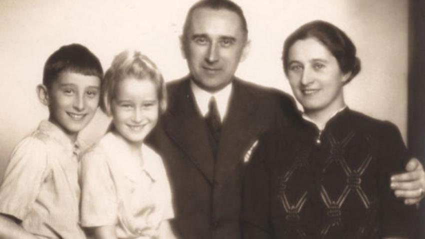 Ladislav Karel Feierabend se ženou a dětmi Hanou a Ivem. Zdroj: Paměť národa