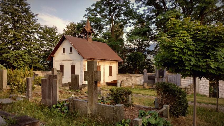 Hejnický hřbitov se stal tajným místem posledního odpočinku zastřelených skautů.