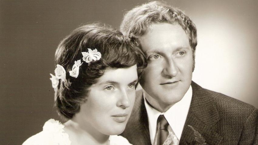 Svatební fotografie s Gerdem Jüptnerem ze srpna 1977. Foto: Paměť národa