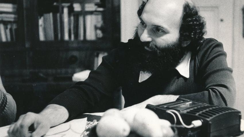 Čestmír Klos se začal ekologickým tématům věnovat v 80. letech jako jeden z prvních novinářů v Československu.  Foto: Paměť národa