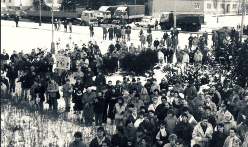 Lidé v centru Kopřivnice při generální stávce. Foto: Městský úřad Kopřivnice
