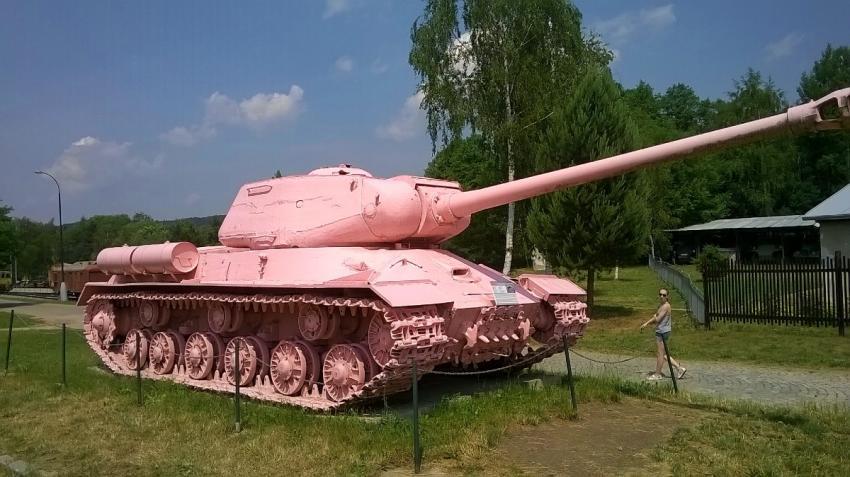 Na místě bývalého lágru se dnes nachází expozice historických vozidel a zbraní Vojenského historického ústavu.