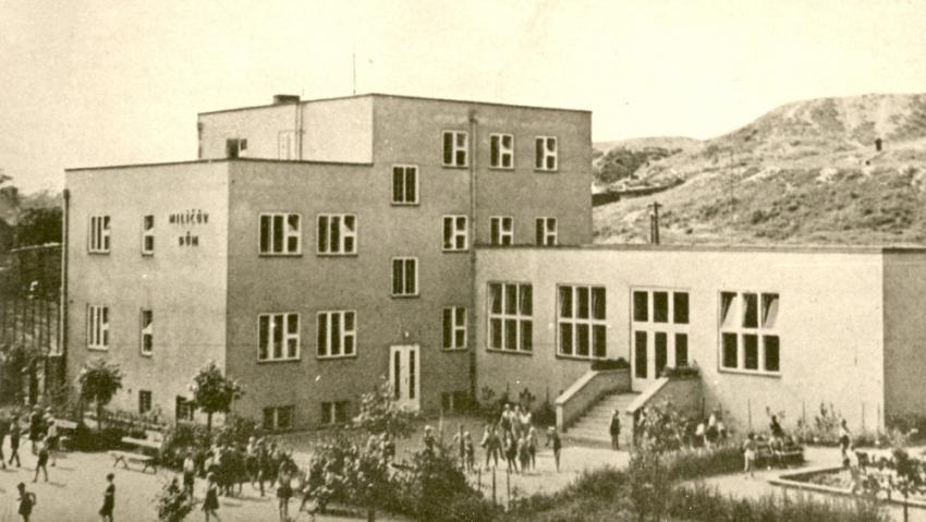 Milíčův dům pod Parukářkou v roce 1937. Foto: Wikimedia Commons CC BY-SA 4.0