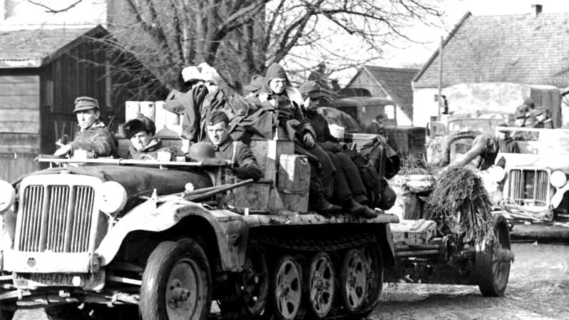 Německé jednotky v Breslau 2. února 1945.