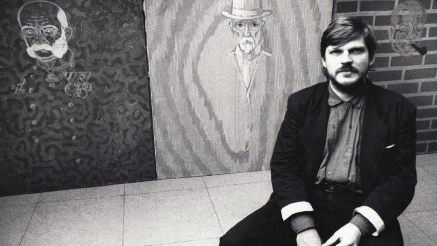 Tomáš Císařovský na vernisáži svých obrazů v roce 1988. Foto: Paměť národa
